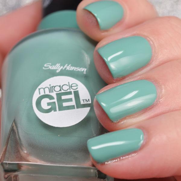 sally-hansen-miracle-gel-lip-palm-side